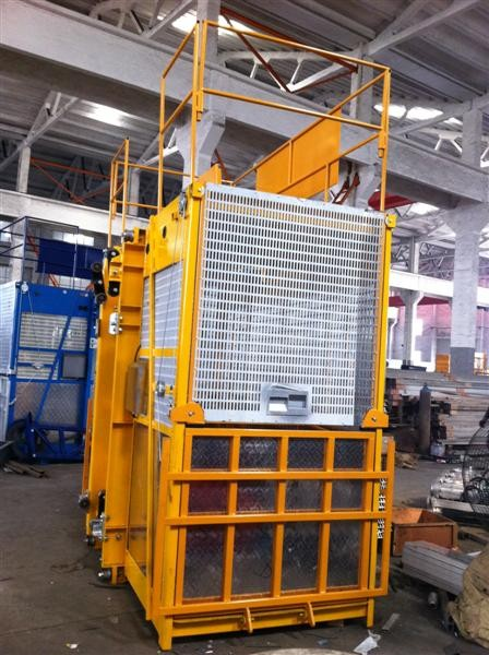 Easy Operated Construction Lift Hoist Elevator Single And Double Cages