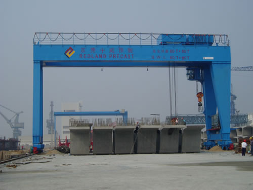 MG A Double Girder Electric Overhead Gantry Crane with Hook For Metallurgical Enterprises