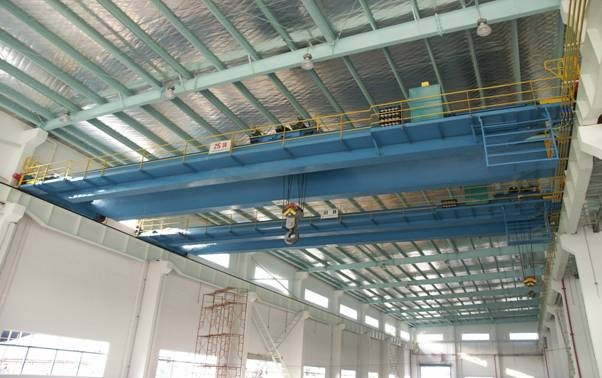 QDG Electric Overhead Crane with Hook, 10.5m / 13.5m Span For Frequent Work