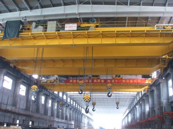 QDX Electric Overhead Crane with Multiple Trolley , 200 / 32t, 250t, 400t Rated Capacity